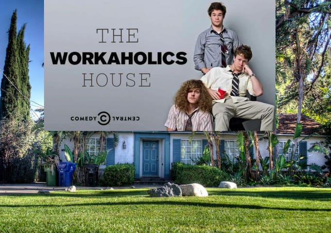 Brag! U Stayed @ The Workaholics House GuestHouse!