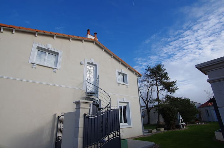 Nice 1 bedroom flat by the sea, 4 P