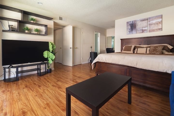 Beautiful 4 bed 2.5 Bath Townhome in Monterey Park
