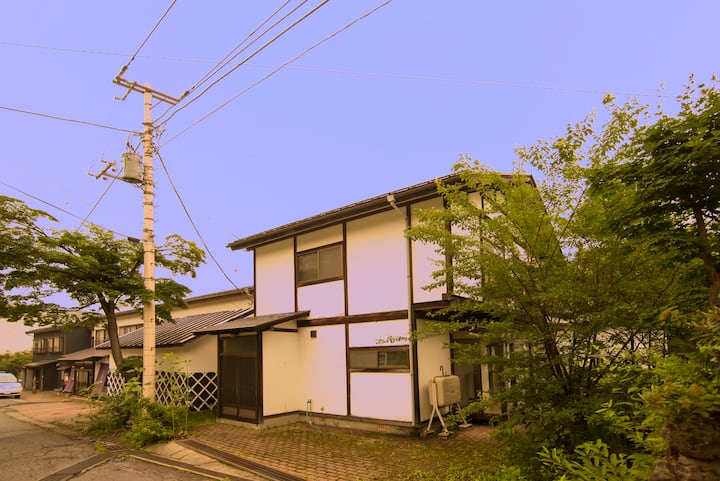 Two-Bedroom and living Annex in Kusatsu Onsen