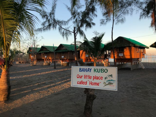 Bahay Kubo  (Beachfront) - facing Potipot Island