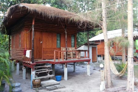 Bansonmanee Homestay : Big Wood Bungalow with A/C -  TH - Chalet