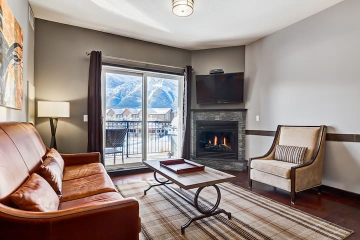 ✿❤Lovely Rockies Getaway In The Heart Of Canmore❤✿