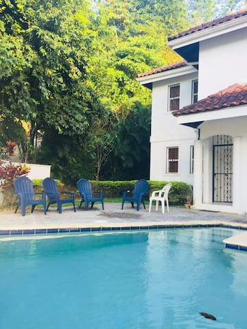 Maraval Apartment - close to everything