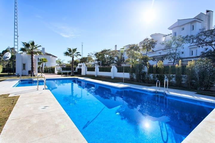 2 Bedroom Apartment, 22 Los Naranjos de Marbella