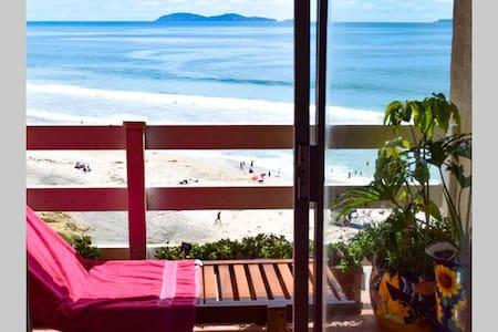 Two Seaside Rooms, Pool on Baja Ocean Beach - ติฮัวนา - ที่พักพร้อมอาหารเช้า