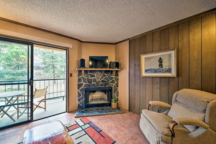 Cozy Ruidoso Condo-by Grindstone Lake+Skiing!