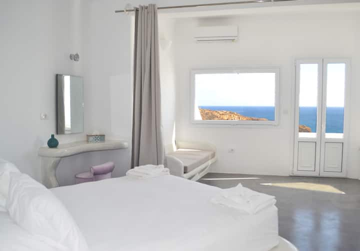 Bliss Suite Sea & Sunset View