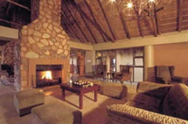 Cute And Cozy Suite Standard At Pilanesberg National Park