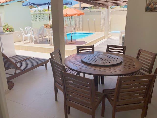 Casa com Piscina e WIFI em Condomínio na PRAIA