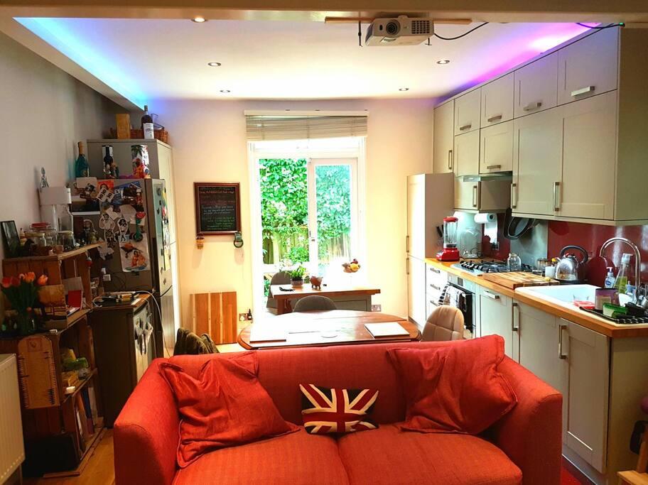 Quirky room with patio near clapham common appartamenti in affitto a greater london - Posto letto a londra ...