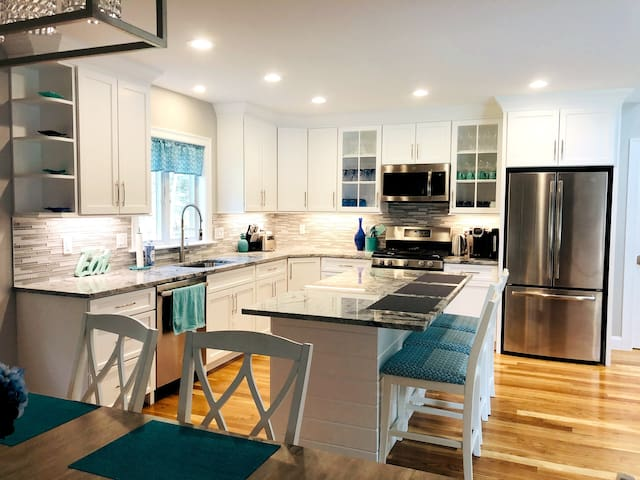★★Luxury Getaway|New Construction|Group Friendly★★