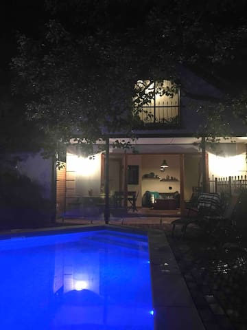 Private Garden Poolhouse Retreat  Adelaide