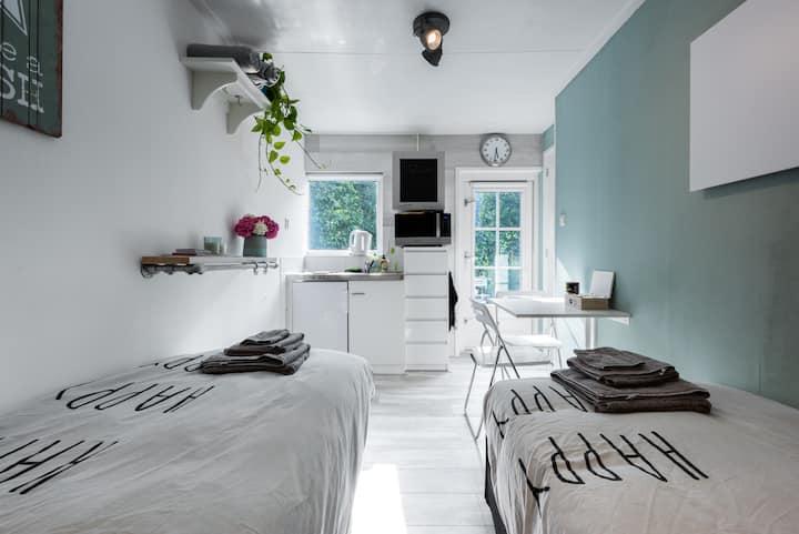cosy room/studio near Amsterdam comfy bed (1 or 2)