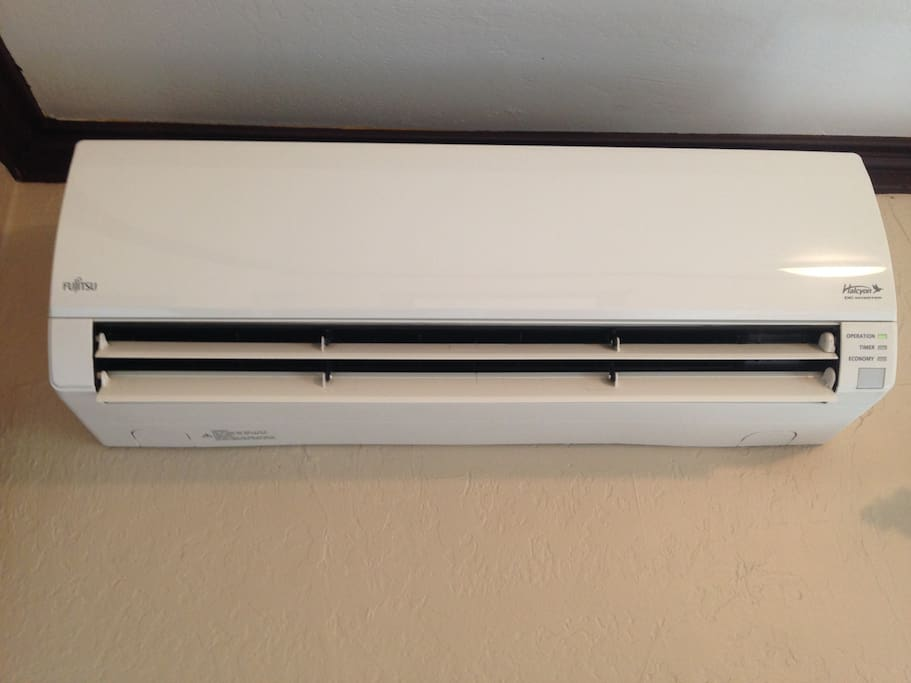 Personal heater and air conditioner