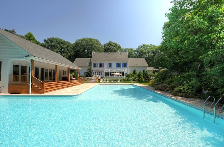 New! Secluded Rhinebeck Estate Pool/Spa/Gym/Sauna