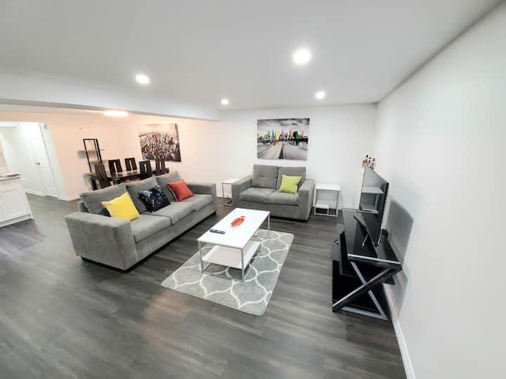 BRAND NEW Super Luxurious Private Quiet Suite.