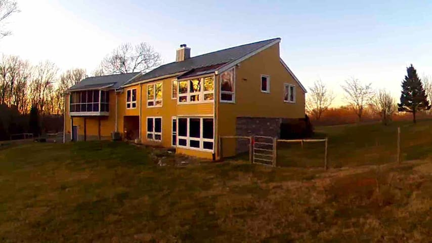 West Virginia Country Retreat Near Attractions