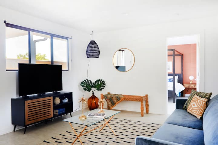 Airy 1BR in Mid City by Sonder