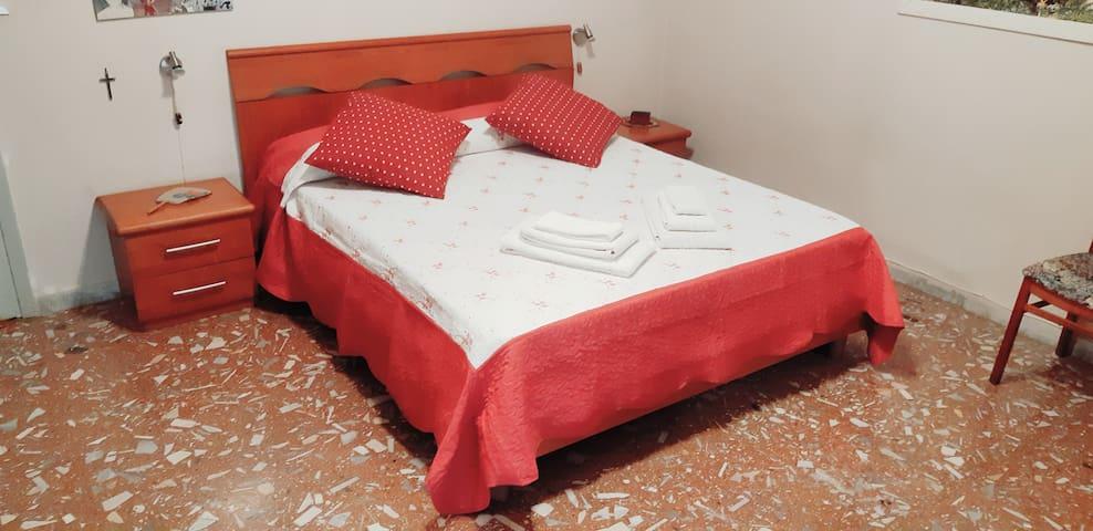 ROOM BREAKFAST WI-FI KITCHEN PARKING ROME & BEACH