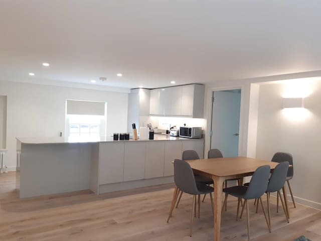 Stylish Two Bedroom Apartment in Covent Garden