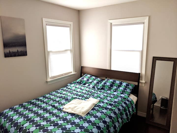 Luxurious home very close to NYC Room 3