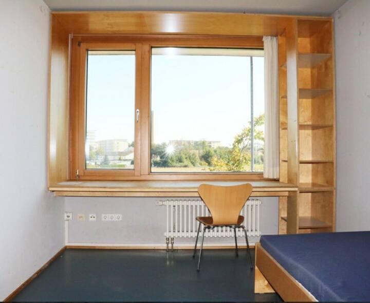Cozy Room near Múnich.Public Transportation free.