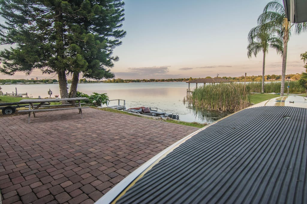 Spacious outdoor area for cooking out, picnics, sunbathing or just simply gazing at the water. Daybreak and sunset are perfect times for spotting birds and otters.