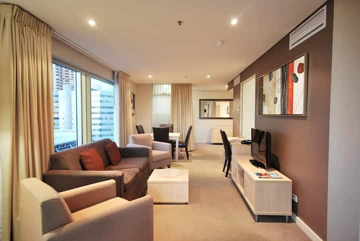 Stunning View - Across The Convention Centre - 2BR