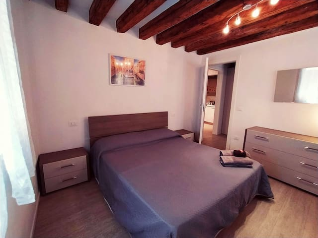 2 rooms apartment, 5 min from train station