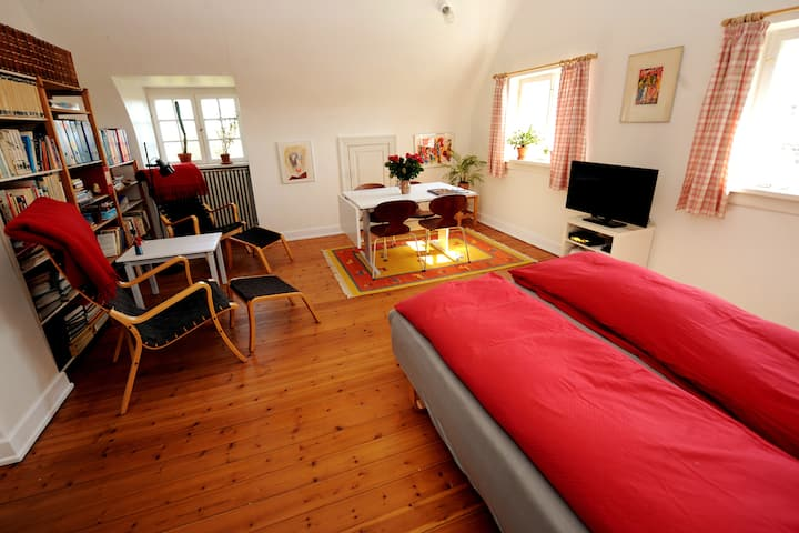 Charmerende lejlighed i Villa Trolle på Langeland