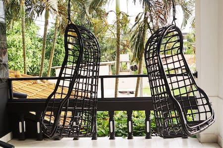 Luxury Home near Negombo Beach - Bed & Breakfast