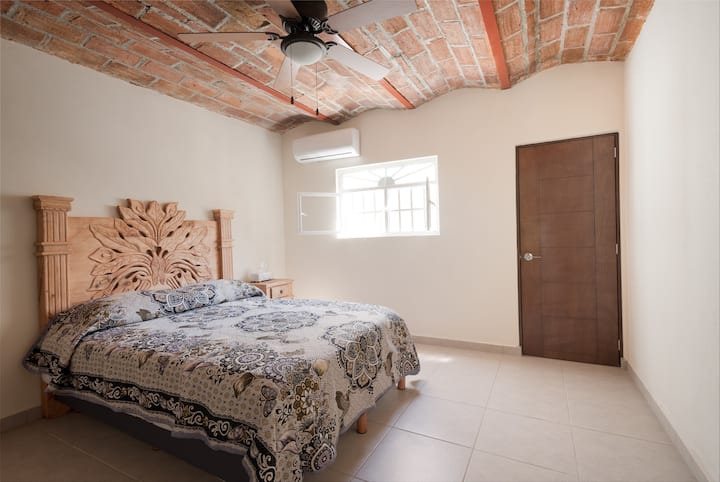 Charming newly renovated house - Loma Bonita #1