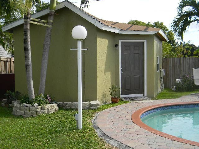 Nice cozy Studio with private entrance. - Miami - Casa de huéspedes