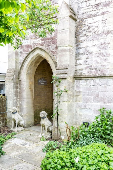 Stone dogs on guard!