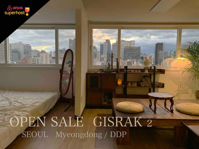 [SALE] Myeong-dong&DDP Gisrak House for 7 People