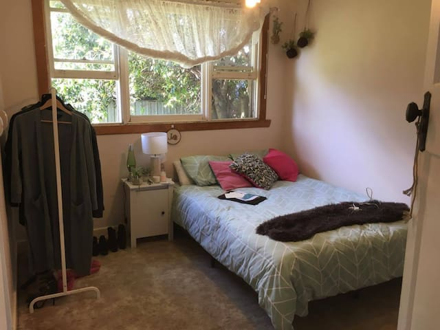 Light filled room close to CBD - Moonee Ponds - Casa