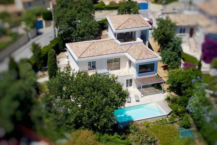 Villa Sainte-Maxime, vue mer piscine centre à pied
