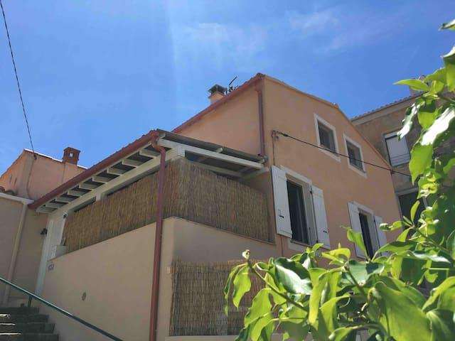Maison climatisée au cœur de Propriano au calme!