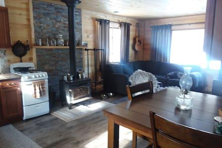 Cozy Forestville Cabin with Finnish Steam Sauna