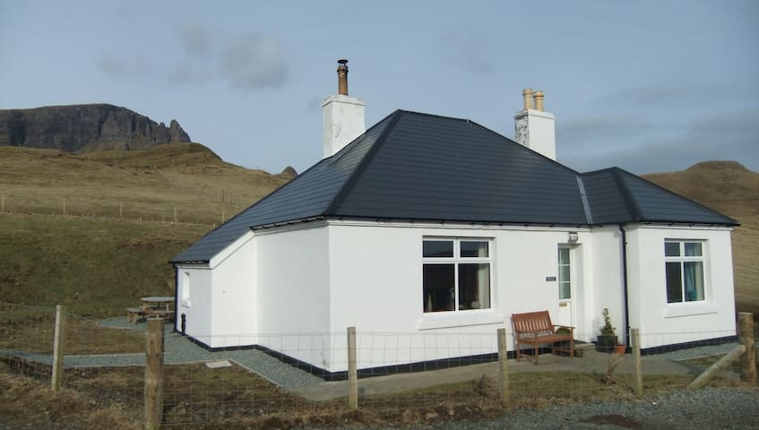 Tigh Cleat - Staffin - Haus
