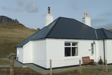 Tigh Cleat - Staffin - Huis