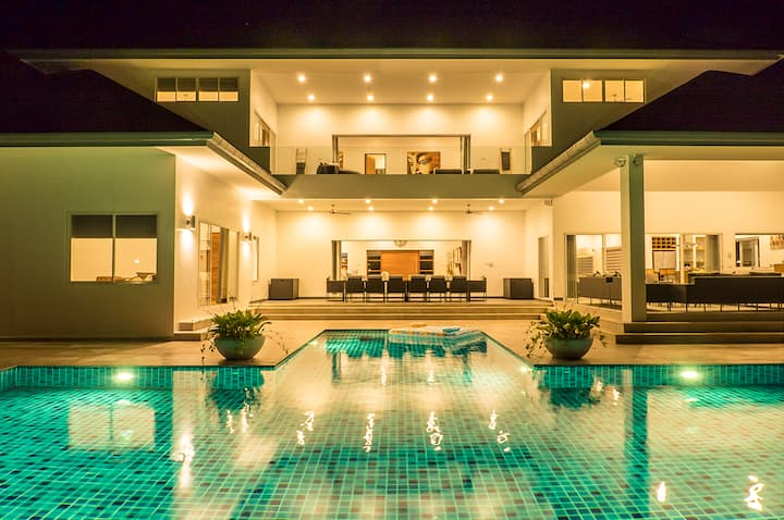 Villa Mar Song - The Luxury Pool Villa in Krabi