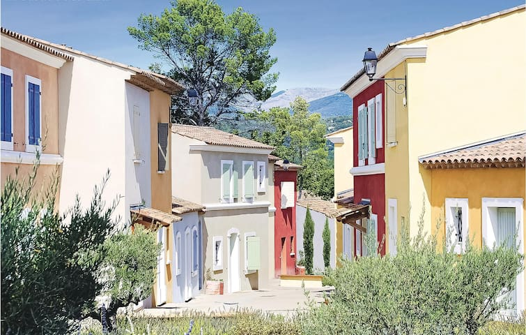 Terraced house with 2 bedrooms on 52m² in Fayence