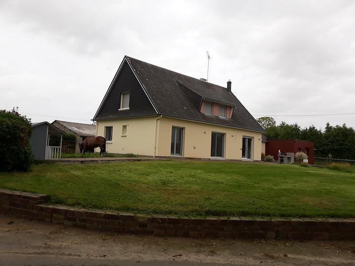 Maison spacieuse  à 30 km du Mont Saint Michel