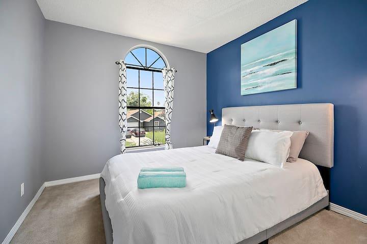 Bedroom #3 - Queen Bed