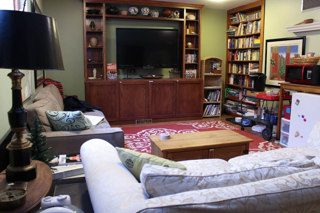 Plenty of books, DVDs and board games for guests!