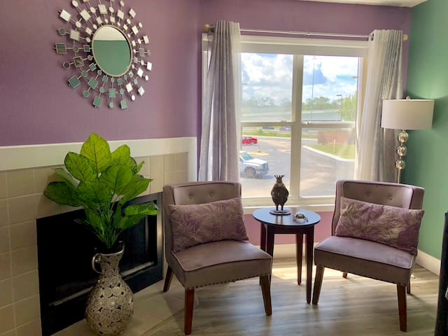 Private apartment close to Disney w/ king bed