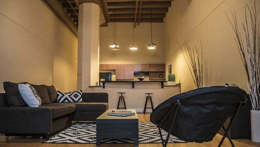 Great loft near museums and Downtown. - Milwaukee - Appartement