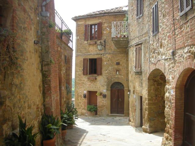 Castelmuzio, near Pienza - Castelmuzio - Apartament